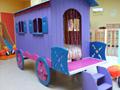 Avec des scies - meubles en bois pour enfant