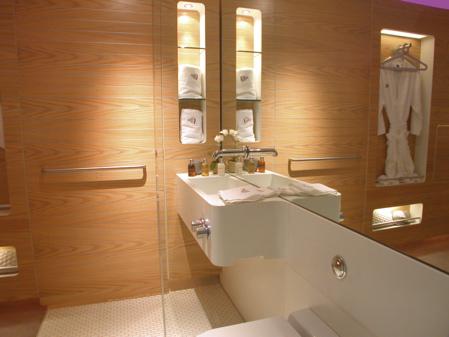 salle de bain hotel Yotel