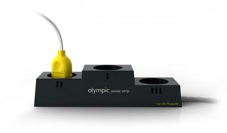 prise électrique en forme de podium olympique - Yar Rassadin design