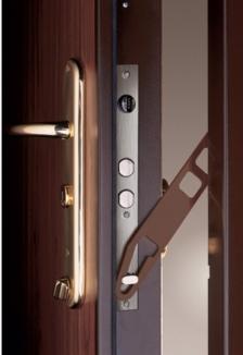 porte blindée Fichet G375 avec entrebailleur semi-automatique