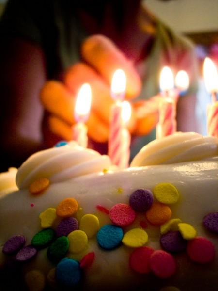 anniversaire - gâteau smarties et bougies