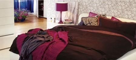 lit en cuir design avec coffre de rangement Habitat