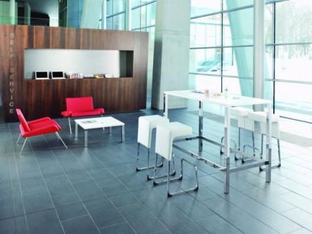 tabouret de bar design blanc et chrome Fizz par Greutmann Bolzern