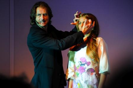 Andy Uffels, le coiffeur magicien