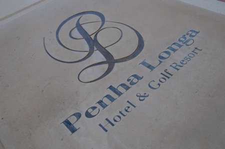 Plaque de l\'hotel Penha Longa au Portugal