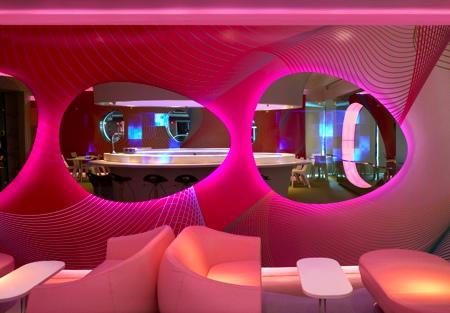 Décoration intérieur du restaurant Kurve