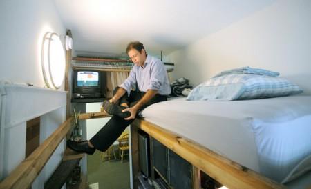 Lit mezzanine dans un petit appartement