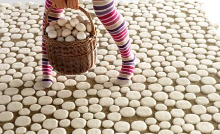 Tapis en laine design avec des champignons