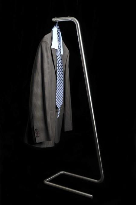 Under clothes, porte-manteau design