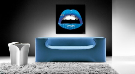Tableau d'une bouche bleue