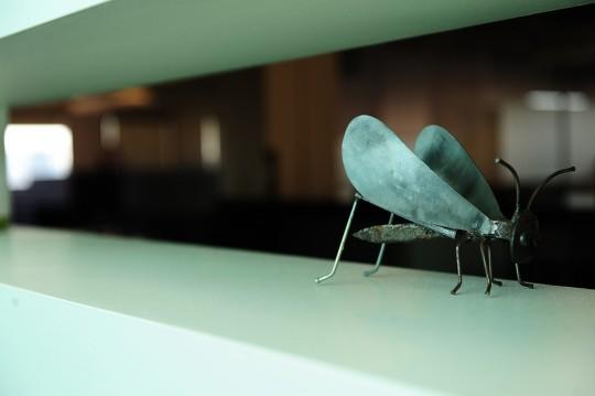 Bureaux Twitter - insecte en métal
