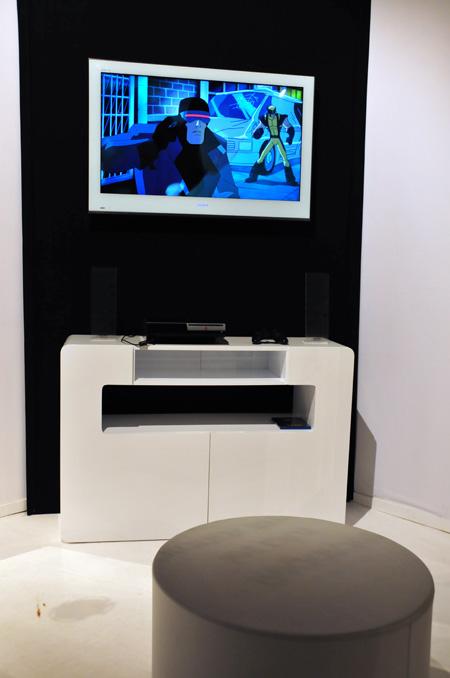 Téléviseur blanc design Sony