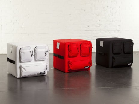 Pouf Eastpak blanc - Pouf Eastpak noir - Pouf Eastpak rouge