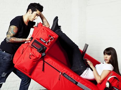 Sofa Eastpak rouge