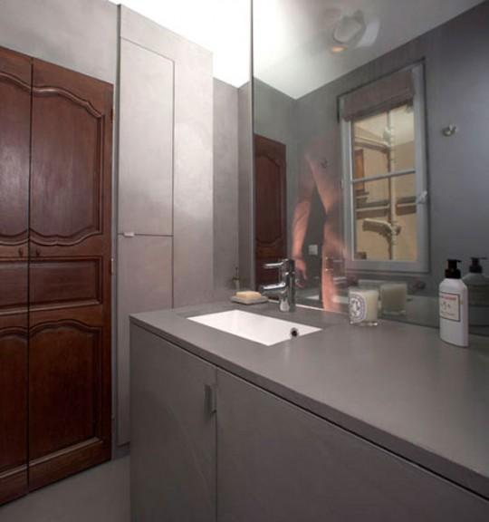 Salle de bain design appartement Red Nest