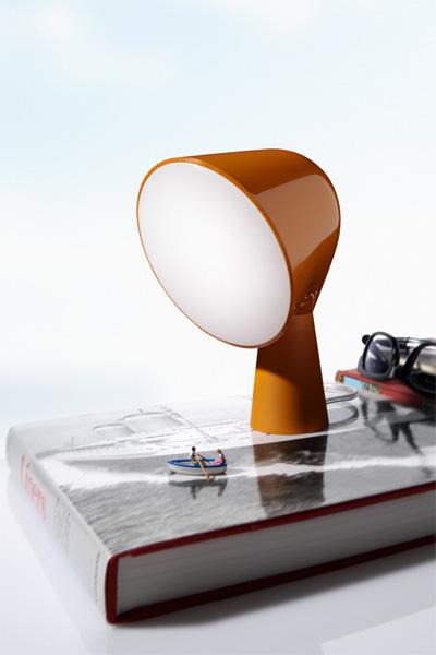Lampe Binic sur un livre
