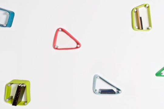 Etagères élastiques de couleurs