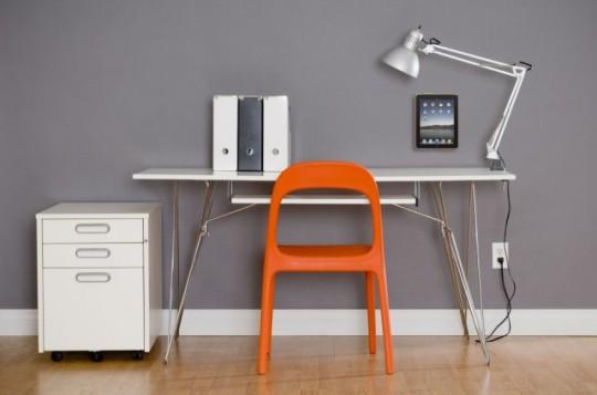 Wallee | iPad fixé au mur dans un bureau