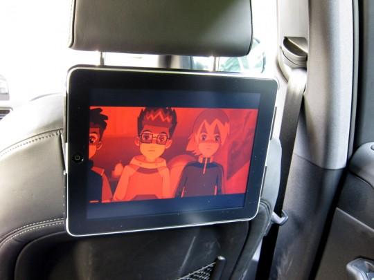 Installation TV iPad dans une voiture avec Wallee