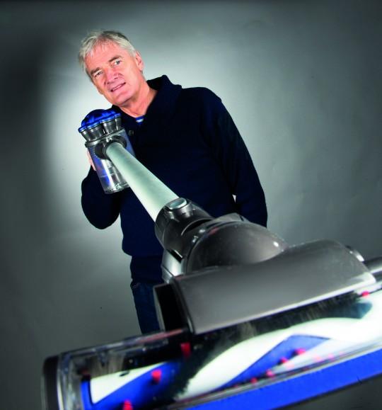 James Dyson et son aspirateur DC35