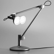 Lampe de bureau inspirée du robot Wall e