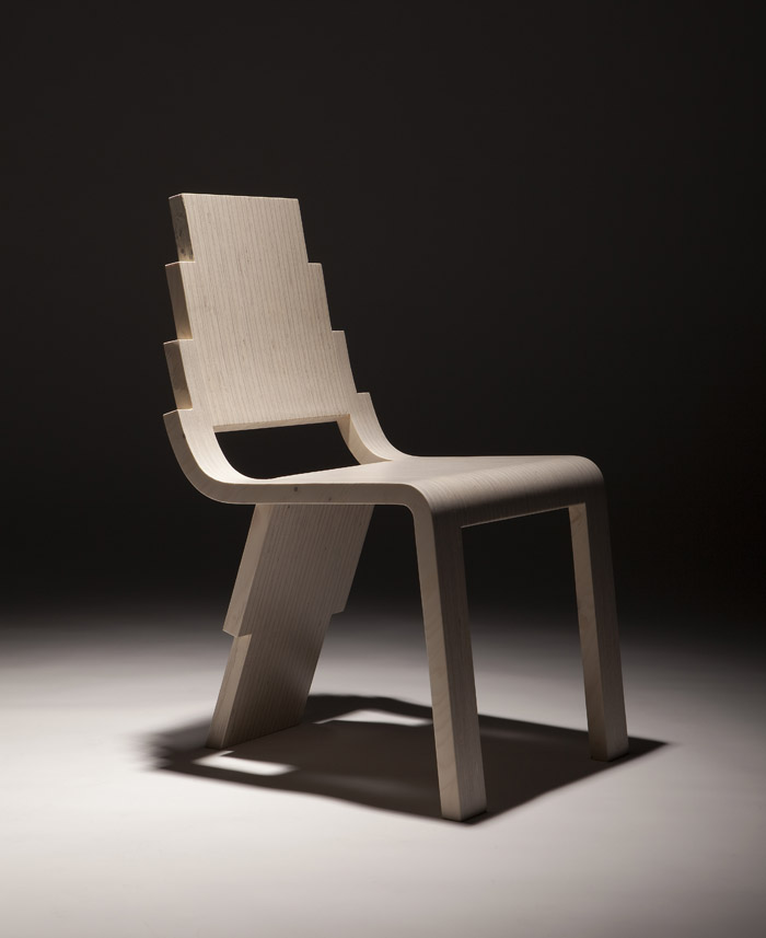 Chaise en bois avec 3 pieds maya for Chaise 3 pieds