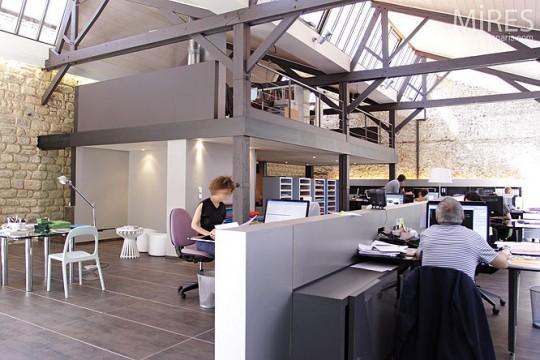 Agence archi dans un loft industriel