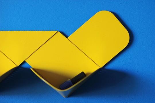 Etagère en métal jaune Wow