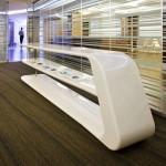Console blanche design dans les bureaux IBM