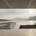 Vue panoramique sur le lac depuis la maison O house