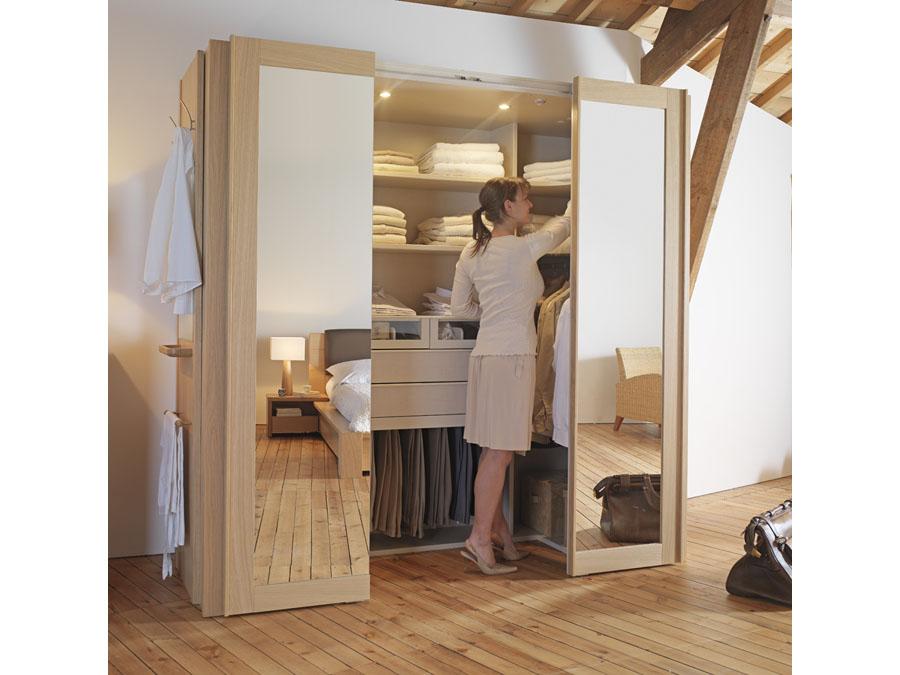 Dressing Cabine : mini pièce dressing dans une armoire