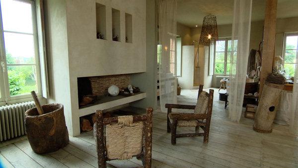 Ancienne cole transform e en maison dans les pays de la loire for Interieur cours nice