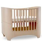 Lit bébé évolutif en bois design