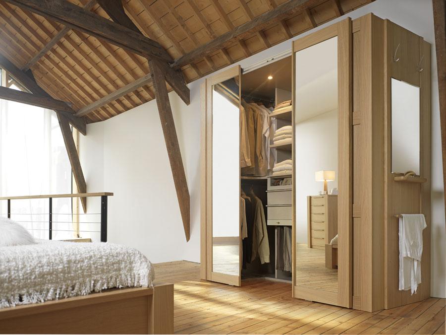 Dressing cabine : La mini pièce dressing qui tient dans une armoire