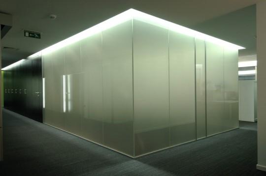 Quantum Glass : vitres teintées électriquement