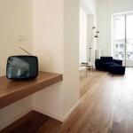 Téléviseur vintage dans un appartement design
