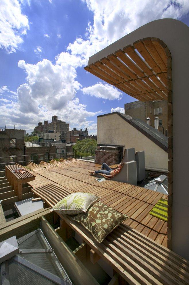 Jardin sur le toit terrasse en bois greenwich village for Toit terrasse en bois