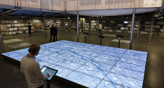 Maquette 3D géante de Paris au Pavillon de l'Arsenal