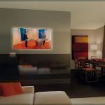 Nouvelle Vague, cloison en verre avec téléviseur intégré