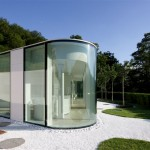 Maison design en verre aux formes arrondies