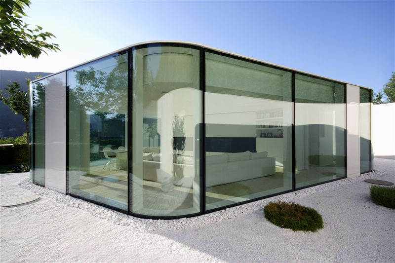 Maison moderne en verre Lake Lugano house