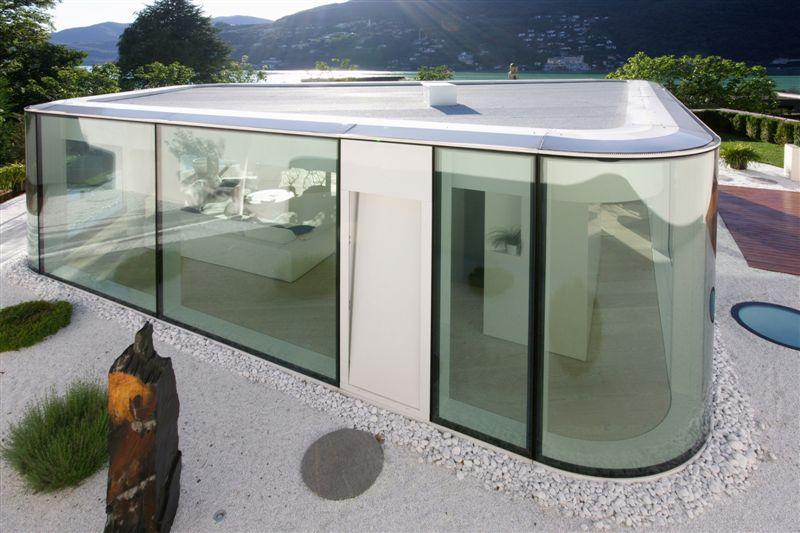 Maison en verre ultra moderne Lugano House