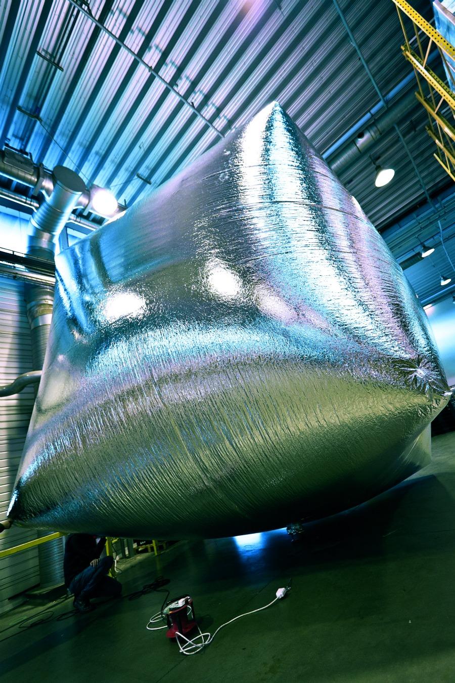 Une montgolfière alimentée en air chaud par un aspirateur Dyson Hot