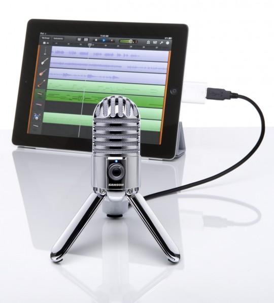 Microphone USB Sansom Meteor branché sur un iPad