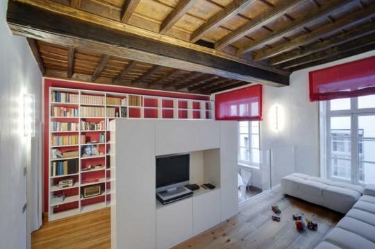 Petit appartement ancien avec une déco contemporaine