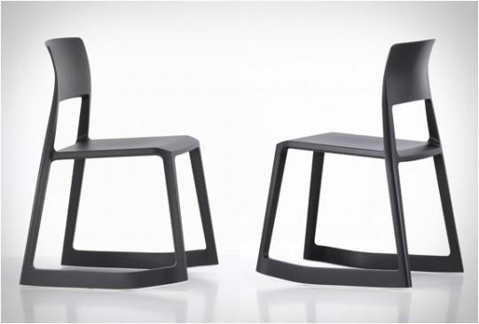 Voil une chaise bascule empilable vraiment tip ton for Chaise qui se balance