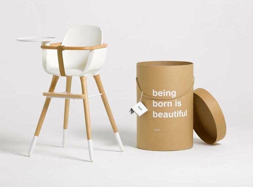 Sur la chaise haute design Micuna OVO, bébé prend de la hauteur !