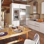 Petit appartementr avec une déco industrielle