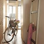 Un vélo dans un petit appartement à Barcelone