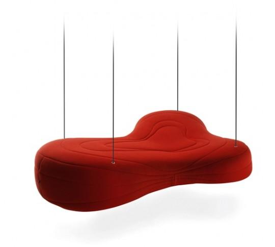Sofa design suspendu au plafond par des câbles Bouli (Noti)